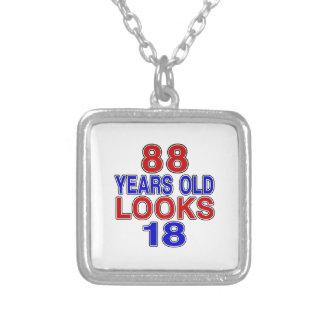 Miradas 18 de 88 años colgante cuadrado