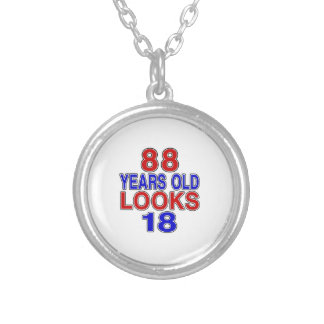 Miradas 18 de 88 años colgante redondo