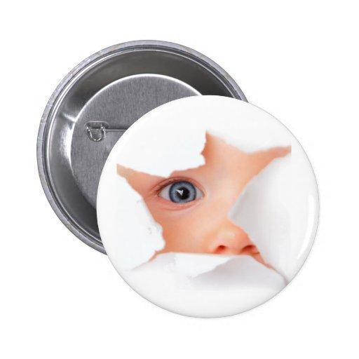Mirando a escondidas al bebé véale pin