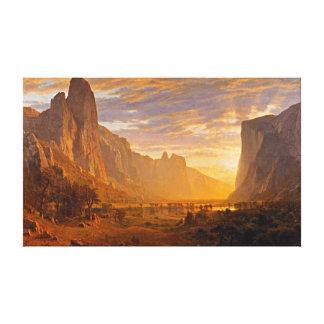 Mirando abajo del valle de Yosemite, por Albert Lienzo Envuelto Para Galerias
