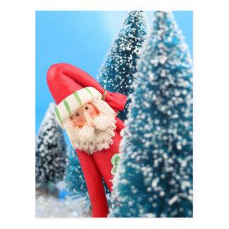 Mirar a escondidas a Papá Noel Tarjeta Postal