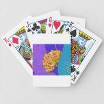 Mire a escondidas un abucheo barajas de cartas
