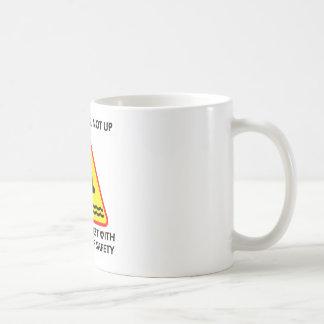 Mire abajo, no encima de siempre invierta el taza clásica
