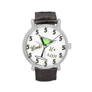 ¡Mire!  ¡Es 5:00!  Reloj de Martini