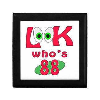 ¿Mire quién es 88 Cajas De Recuerdo
