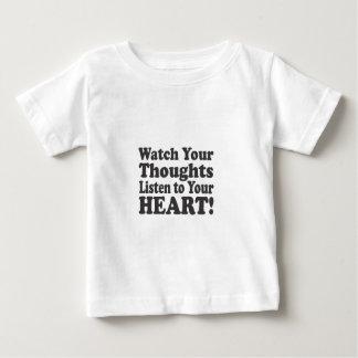 ¡Mire sus pensamientos escuchar su CORAZÓN! - Camiseta