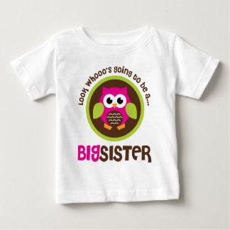 Mire Whoos que va a ser un búho de la hermana Playera De Bebé