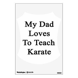 Mis amores del papá para enseñar a karate