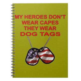 Mis héroes no llevan cabos que llevan placas de libretas