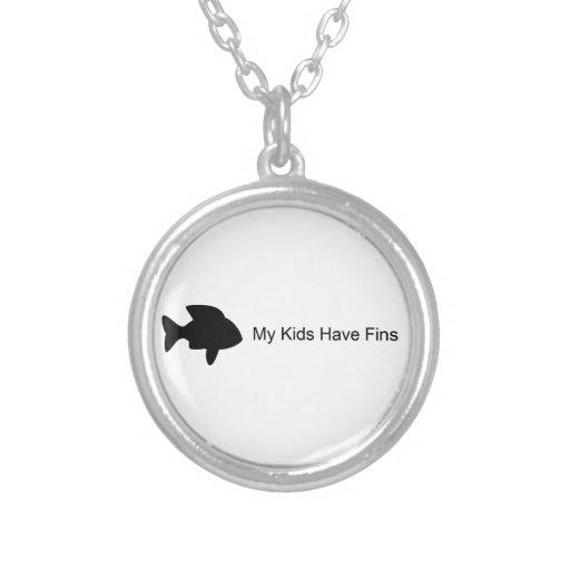 Mis niños tienen aletas (los pescados) colgante redondo
