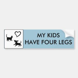 Mis niños tienen cuatro piernas pegatina para auto
