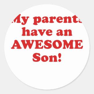 Mis padres tienen un hijo impresionante pegatina redonda