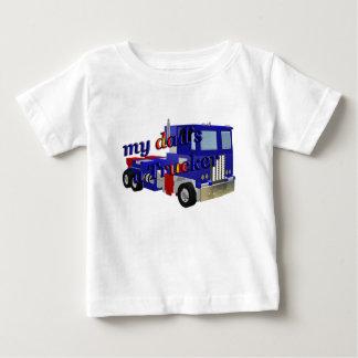 mis papás un camionero playera de bebé