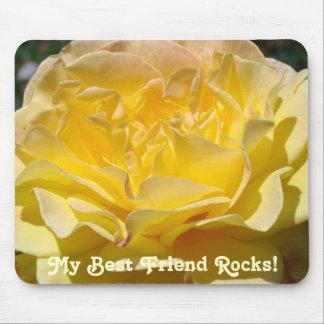 ¡Mis rocas del mejor amigo flor del rosa amarillo Tapete De Ratón