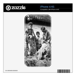 Misery in China, c.1875 (b/w photo) Decals For The iPhone 4S