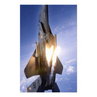 misil de lanzamiento del jet f-15 folleto 14 x 21,6 cm
