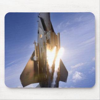 misil de lanzamiento del jet f-15 alfombrilla de ratón