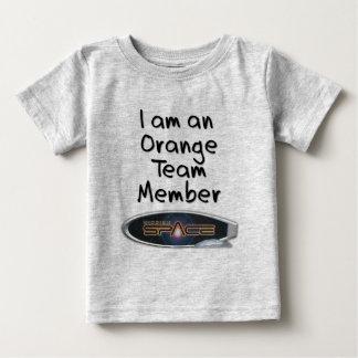 Misión: Espacio - equipo anaranjado (niño) Playera Para Bebé
