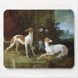 Misse y Turlu, dos galgos de Louis XV Tapete De Ratón