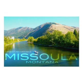 Missoula, Montana - un río corre a través de él Cojinete
