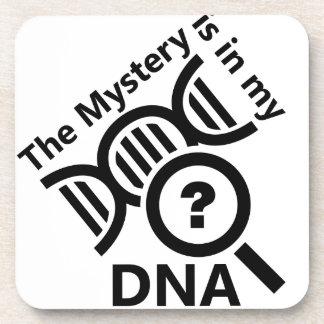 Misterio en la DNA Posavasos De Bebidas