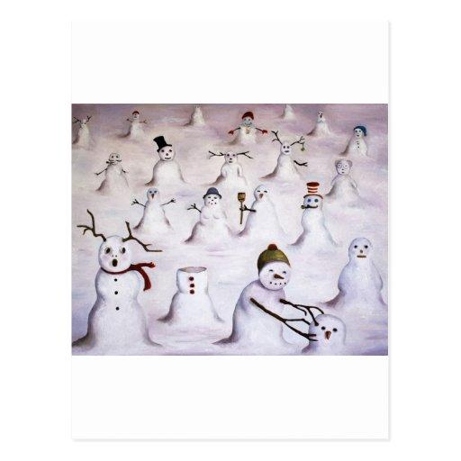 Misterio revelador en la colina del muñeco de niev tarjetas postales