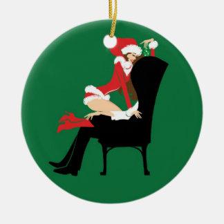 Mistletoe Round Ornament