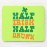 Mitad a medias irlandesa bebida tapetes de raton