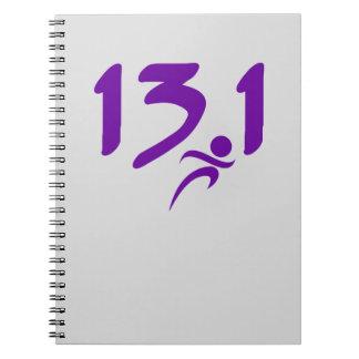 Mitad-maratón 13,1 de la púrpura libro de apuntes