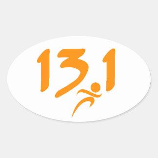 Mitad-maratón 13 1 del naranja pegatina de oval