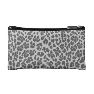 Mitones grises del estampado leopardo y bolsos cos