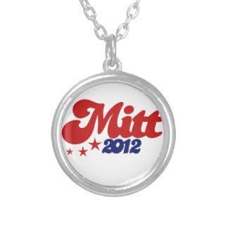 Mitt 2012 round pendant necklace