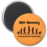 Mitt Romney que mueve América al revés Imanes Para Frigoríficos