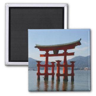 miyajima torii magnet
