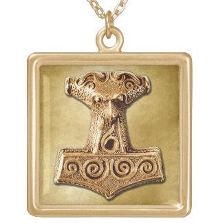 Mjölnir en el oro - collar 2 del oro