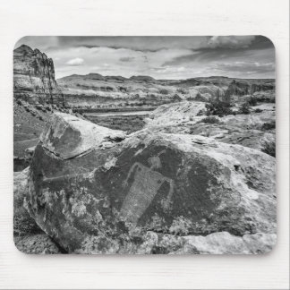 Moab Maiden Petroglyph - Black And White - Utah Mouse Pad