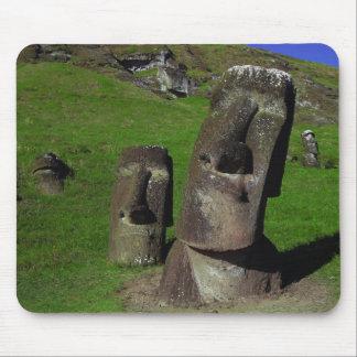 Moai en la isla de pascua (Rapa Nui) Tapete De Ratón