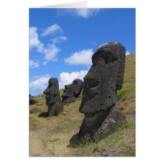 Moai en la isla de pascua tarjeta de felicitación