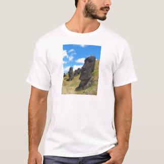 Moai en la isla de Rano Raraku pascua Playera
