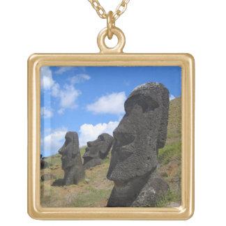 Moai en Rano Raraku, isla de pascua Colgante Cuadrado