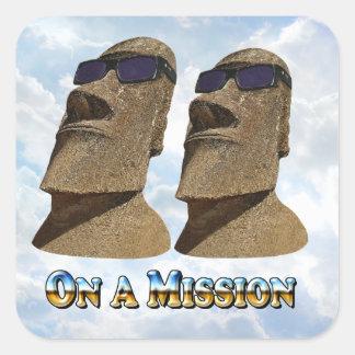 Moai en una misión 2 - productos de Mult Pegatina Cuadrada