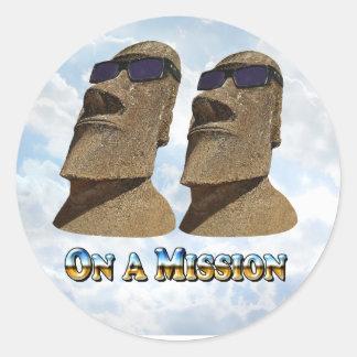 Moai en una misión 2 - productos de Mult Pegatina Redonda