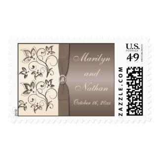 Moca y franqueo con monograma floral de marfil timbres postales