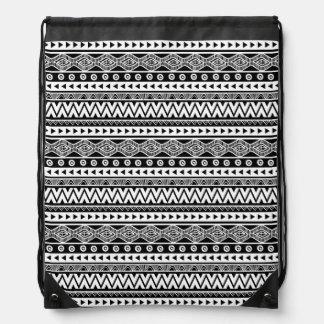 Mochila tribal azteca fresca blanco y negro