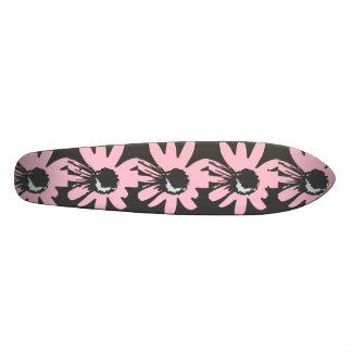 Mod daisy pale pink and black Skateboard
