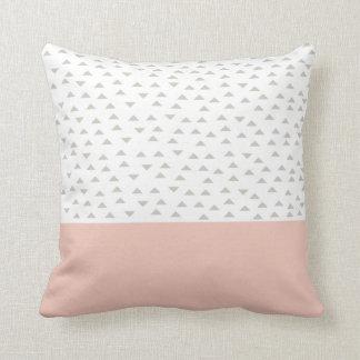 Mod triangle | Throw Pillow