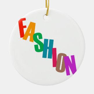 Moda de la palabra en letras coloridas adorno navideño redondo de cerámica