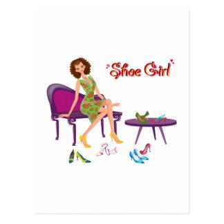 Moda del chica del zapato postal