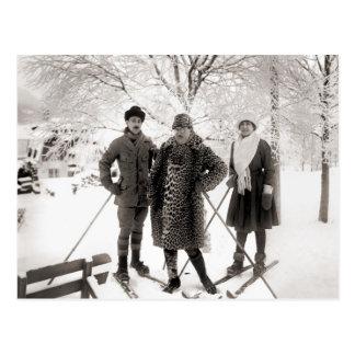 Moda del esquí del vintage, 1910 postal