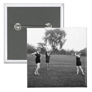 Moda del golf de los años 20 de las mujeres pin cuadrado